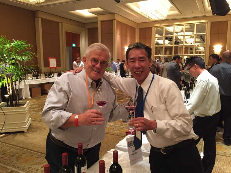 Old trading partners in the Singapore market that spans over 20 years - Lee Richard of Estate Wines and Peter Huwiler of Esser Wines.