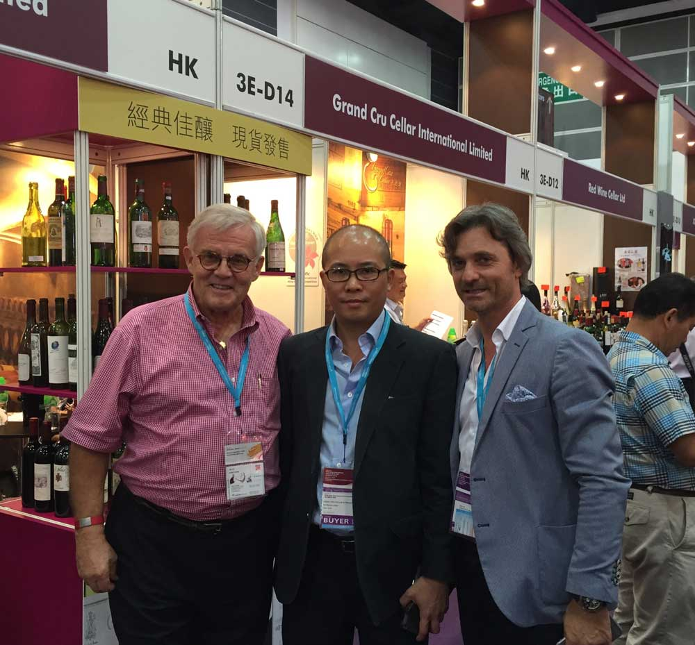 Peter Huwiler with Suppliers and Buyers at the Hong Kong International Wine & Spirits Fair